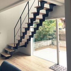 sato.coさんの、リビング,階段,レトロ,モノトーン,のお部屋写真