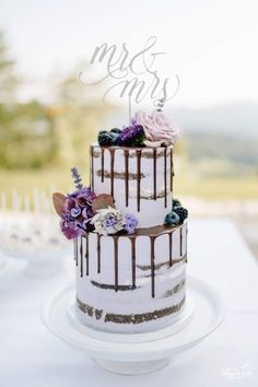 We will give you various cake design ideas for your reference New Cake Design, Cool Cake Designs, Purple Cakes, Purple Wedding Cakes, Drip Cakes, Margarita, Wedding Day, Wedding Inspiration, Cooking Recipes