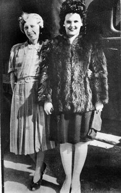 Elizabeth Short and her mother. From the bio:Elizabeth Short was born in Boston, Massachusetts; she grew up and lived in Medford. She was the third of five daughters of Cleo Short and Phoebe Mae Sawyer. Black Dahlia, Homicide Detective, Iconic Women, True Crime, Mug Shots, Betta, In Hollywood, The Past, Actresses