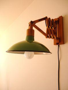 WWW.TABANOVINTAGE.COM APLIQUE EXTENSIBLE MADERA Y ENLOZADO VERDE. (LAMP VINTAGE WALL LIGHT). Para ver más fotos al detalle, descripción o precio, clica en el siguiente enlace: http://tabanovintage.blogspot.com.es/2013/09/aplique-extensible-madera-y-enlozado.html#links