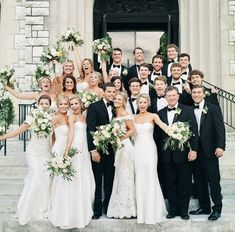 Hire a Great Wedding Photographer – LivingWedding Wedding Picture Poses, Wedding Photography Poses, Wedding Poses, Wedding Pictures, Wedding Ideas, Bridal Party Poses, Large Bridal Parties, White Bridal, White Tie Wedding