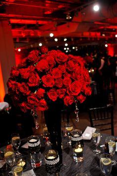 outstanding-charming-red-roses-mixed-with-dazzling-white-crystal-put-in-high-black-vase-on-black-tablecloth-combine-with-various-candle-and-glass-wedding- ...