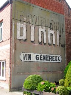 BYRRH Vin Généreux (Kadasterstraat 94, Turnhout -Belgique)