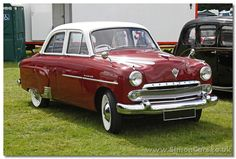 Vauxhall Cresta EIP 1955. Fine vertical grille bars for the 1955 model. The first year of the new Cresta, to take on the Ford Zephyr Zodiac.