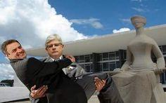 Pagamos o salário do Ministério Público brasileiro e quem trabalha é o suiço...