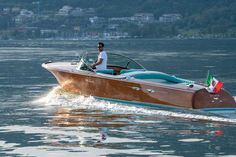 "Riva Aquarama Super ""BATMAN"" Scopri di più: www.bellininautica.it #rivaaquarama #aquaramasuper #batman #bellininautica #belliniexperience #luxury #luxuryexperience #luxurylifestyle #lifestyle #gentleman #gentlemanstyle Ph: Andrea Badoni Riva Boat, Batman, Vehicles, Ph, Car, Vehicle, Tools"
