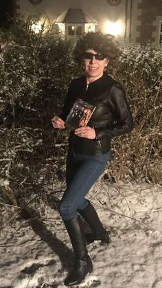 Enjoying reading in the snow as part of Reach For The Stars Reading Challenge homework when I got the call for a snow mission 📚🌈🌟🚁⛄️😎 Star Reading, Reaching For The Stars, Reading Challenge, Primary School, Homework, Leather Pants, Challenges, Snow, Twitter