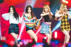 Your source of news on YG's biggest girl group, BLACKPINK! Kim Jennie, Jenny Kim, Stage Outfits, Kpop Outfits, South Korean Girls, Korean Girl Groups, Yg Entertainment, Square Two, Divas