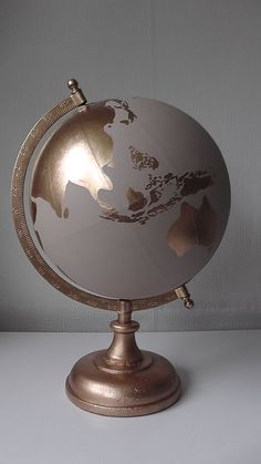 DIY Gold Leaf Paper Crafts – Gold leaf aluminum foil is everywhere these days and also permanently factor as well! This inexpensive craft thing does not only make things look . Try These 55 DIY Gold Leaf Paper Crafts Gold Diy, Painted Globe, Hand Painted, Decoration Evenementielle, Globe Art, Deco Design, Design 24, Map Design, Diy Signs