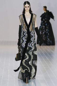 La robe à sequins pychédélique du défilé Marc Jacobs automne-hiver 2016-2017