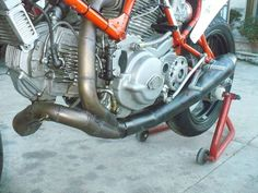 Ducati 900 TT1 for race (1986) (picture 3 of 6)