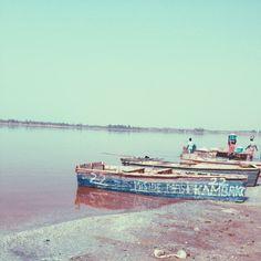 Le lac rose était un de mes rêves, à présent réalisé! C'est par ici