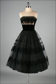 Vintage 1950s Dress . Black Tulle . Strapless . Flocked Flowers