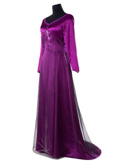 Elsa Cosplay, Cosplay Dress, Costume Dress, Frozen Cosplay, Adult Anna Costume, Adult Disney Costumes, Couple Halloween Costumes For Adults, Couple Costumes, Woman Costumes