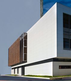 Basque University combining white polymer concrete panels and wood.  The system chosen for this project is ventilated facade by ULMA