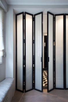 porte accordeon 60 cm - black and white Accordian Door, Space Saving Doors, Room Divider Doors, Classic Doors, Bathroom Doors, Folding Bathroom Door, Closet Doors, Room Closet, Sliding Room Doors