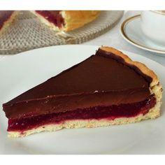 Egy finom Csokoládétorta málnazselével ebédre vagy vacsorára? Csokoládétorta málnazselével Receptek a Mindmegette.hu Recept gyűjteményében! Cheesecake, Pie, Sweets, Desserts, Recipes, Food, Cakes, Torte, Tailgate Desserts