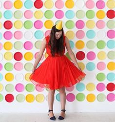 When Jordan of @ohhappyday reached out and told me that she liked my paper plate backdrop (made entirely of plates from the @ohhappydaypartyshop) so much that she wanted to create a version of her own, I was over the moon!!! And look at how adorable it is with these colors! ❤️❤️❤️ . I have been a huge fan of Oh Happy Day since the early blogging days (before Instagram even existed...if you could imagine!) so this is a true honor! .  + backdrop: @ohhappyday #ohhappyday #acolorstory…