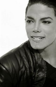 These are some of the pictures and photos of the legendary Michael Jackson. The King of Pop will forever be the king, and these images embrace that. Janet Jackson, The Jackson Five, Michael Jackson Pics, Jackson Family, Paris Jackson, Lisa Marie Presley, Britney Spears, Hee Man, Herb Ritts