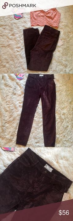 "NWT Free People Cyndi highrise velvet skinny 29 NWT Free People high rise mulberry Cyndi skinny jean size 29. Excellent color for fall! Measurements; 14.5"" waist, 11.5"" rise, 27"" inseam. Reasonable offers always accepted. Free People Jeans Skinny"