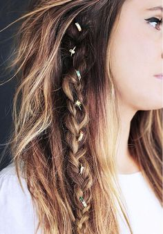 Hairstyle braid for long hair with accesories - Peinados de cabello largo con trenzas y accesorios en el pelo