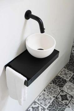 Things to Keeps in mind When Choosing New Toilet - My Romodel Small Bathroom Sinks, Rustic Bathroom Vanities, Bathroom Sets, White Bathroom, Bathroom Furniture, Bathroom Basin, Modern Furniture, Small Toilet Room, Guest Toilet