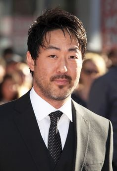 Kenneth Choi is a Korean American actor. He was born on October 20, 1971 in Chicago, Illinois, United States.