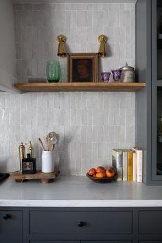 Home Decor Kitchen, Interior Design Kitchen, New Kitchen, Home Kitchens, Kitchen Tile, New Home Designs, Interior Design Inspiration, Design Ideas, Kitchen Styling