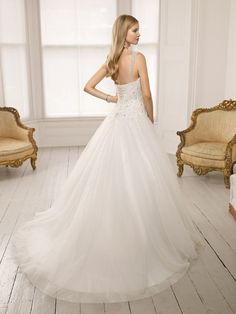 64008 Donna Wedding Dress (Back) – Ronald Joyce 2011 Collection