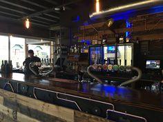 Craft beer in Queenstown, New Zealand - Everybody Hates A Tourist