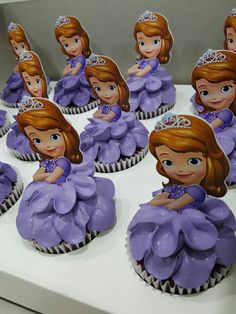 Disney Party Ideas: Sofia the First Party Sofia The First Birthday Cake, Princess Sofia Birthday, First Birthday Cupcakes, 3rd Birthday Parties, Girl Birthday, Sophia The First Cupcakes, Princess Party, Birthday Ideas, Cupcake Princesa Sofia
