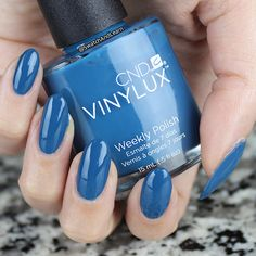 CND Vinylux Splash of Teal from the Rhythm and Heat Collection for Summer 2017 gets attention like doing a cannon ball in the water! Full review on SwatchAndLearn.com today. #cnd #cndrhythmandheat #vinylux #nails