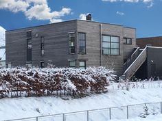 Urbanhus i vinteridyll🙄🐧 #urbanhus #funkis #funkishus #vinter #snø #design #snow #nordiskehjem #skandinaviskehjem #scandinavianhome #arkitektur #bobedre #vibyggernytt #interior #nordichome #winterwonderland #liveterbestute #outdoorlife #vinteridyll #outdoorarea #husleverandør