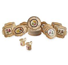 Set de sobremesa em porcelana Inglesa do sec.19th, 3,840 USD / 3,530 EUROS / 15,510 REAIS / 25,090 CHINESE YUAN soulcariocantiques.tictail.com
