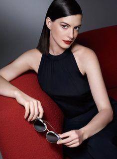 「Anne Hathaway : Such a Classy Lady」の画像検索結果