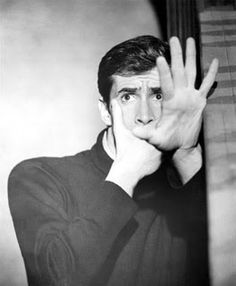 20 Black and White Photos of Anthony Perkins as Norman Bates in Alfred Hitchcock's Psycho ~ vintage everyday Norman Bates, Anthony Perkins, Alfred Hitchcock, Ingrid Bergman, Blade Runner, Scary Movies, Horror Movies, Photos Encadrées, Rare Photos