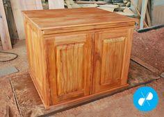 Armário com aparador retrátil feito com madeira de demolição.  Visite nosso site: http://vrmarcenaria.com.br/  Ou entre em contato para orçamento: (11) 3845-5210 contato@vrmarcenaria.com.br