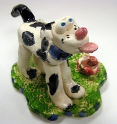 Cassie Stephens: In the Art Room: Cats and Dogs - nice how to for students to form the dog's head. Clay Crafts For Kids, Kids Clay, Dog Sculpture, Animal Sculptures, Ceramics Projects, Clay Projects, Ceramics Ideas, 4th Grade Art, Fourth Grade