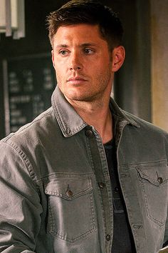 Dean  #Supernatural  Season 9  *spoiler   ...okay, it's not much of a spoiler.  I try not to pin episode pics before they air.  Try.  But look at this pretty face.  Go ahead...just look.  I couldn't resist.