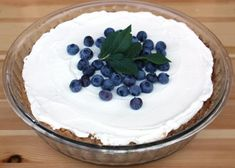 Čučoriedkový cheesecake, recept, Koláče | Tortyodmamy.sk Cheesecake, Pudding, Desserts, Food, Tailgate Desserts, Cheese Cakes, Puddings, Dessert, Postres