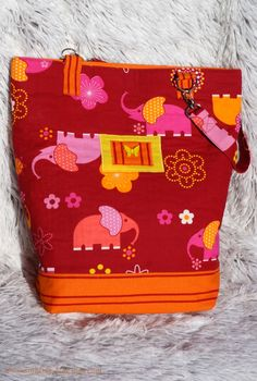 Tote bag with elephant