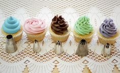 Cupcake frosting techniques- piping and nozzles