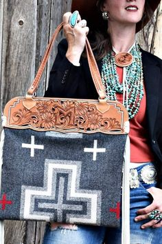 Individually handcrafted purses and accessories inspired by Southwestern traditions and desert blooms Cowgirl Chic, Cowgirl Style, Western Style, Country Style, Tote Handbags, Purses And Handbags, Custom Purses, Western Purses, Leather Carving