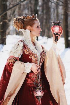 La regina Kasha che porta offerte agli Oracoli.