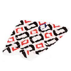 Grip modelo Zulu White de la marca australiana Shapers. Grip de 3 piezas fabricado con foam tecnología EVA de gran calidad.Adhesivo de gran resistencia y durabilidad.Dimensiones del arco: 8mm x 130mm..Shapers Australia: Arming shapersEsta marca australiana siempre ha estado a la cabeza del desarrollo de accesorios para el mundo del surf desde hace más de 20 años. Son especialistas en herramientas, materiales y accesorios para el shaping. Desde hace unos años están desarrollando quillas en…