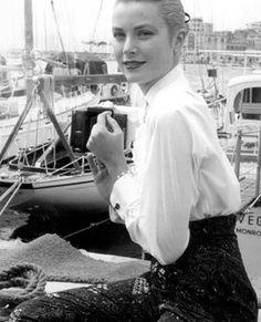 gracekellycannesfilmfestival1955.bmp (300×370)