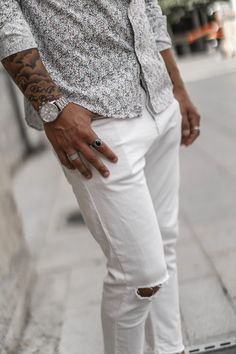 Men's Fashion, Fashion Jewelry, Men Looks, White Jeans, Leo, Jewellery, Accessories, Style, Street Styles