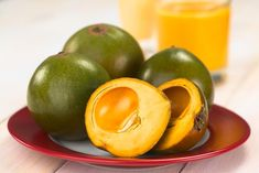 Lucuma is a powerful superfood rich in nutrients to boost your health. Learn about all the benefits of lucuma powder and how to use it in protein shakes. Mousse, Cacao Benefits, Health Benefits, Lucuma Powder, Cacao Beans, Unsweetened Chocolate, Raw Cacao, Breakfast On The Go, Health Articles