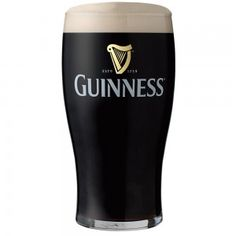 There's no middle ground when it comes to a pint of Guinness. This dry, Irish stout has a distinct flavo. Healthy Beer, Kahlua Drinks, Guinness Cocktail, Healthy Alcoholic Drinks, Irish Drinks, After Dinner Drinks, Bullshit