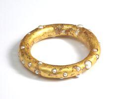 Dania Chelminsky Jewelry. Bracelet 2, 9x1.5 cm, epoxy, pearls, 22k gold, 2013 22k gold, 2013